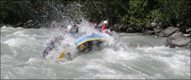 Rafting grade 4 whitewater rivers
